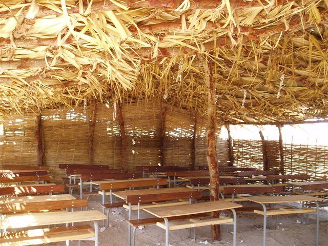 mission-janvier2009-010-une-classe-provisoire-du-college.1271842122.jpg