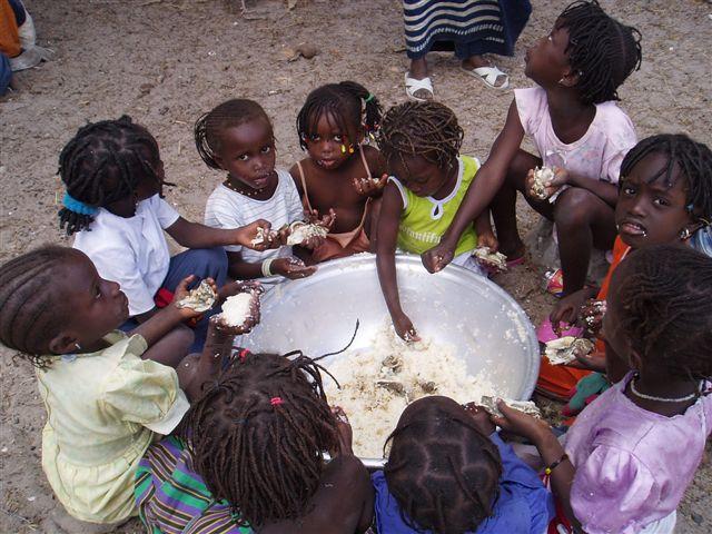 mission-janvier2009-023-groupe-de-petites-filles.1271843414.jpg
